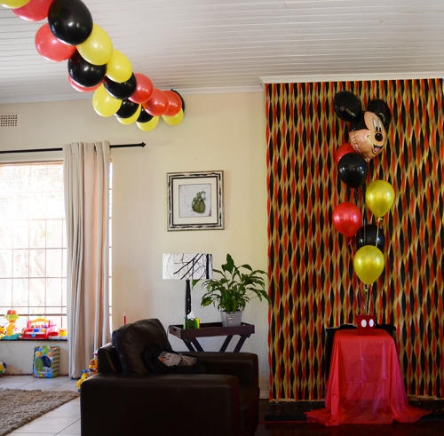 Streamers sugarqube for Balloon and streamer decoration ideas